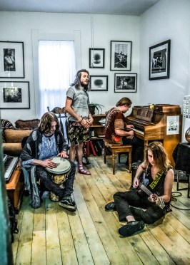 Fantastic Flying Couch visits the Photographic Melodie Gallery for an interview and an epically stellar live performance on Wednesday, May 8, 2019. Photo cred Melodie Yvonne