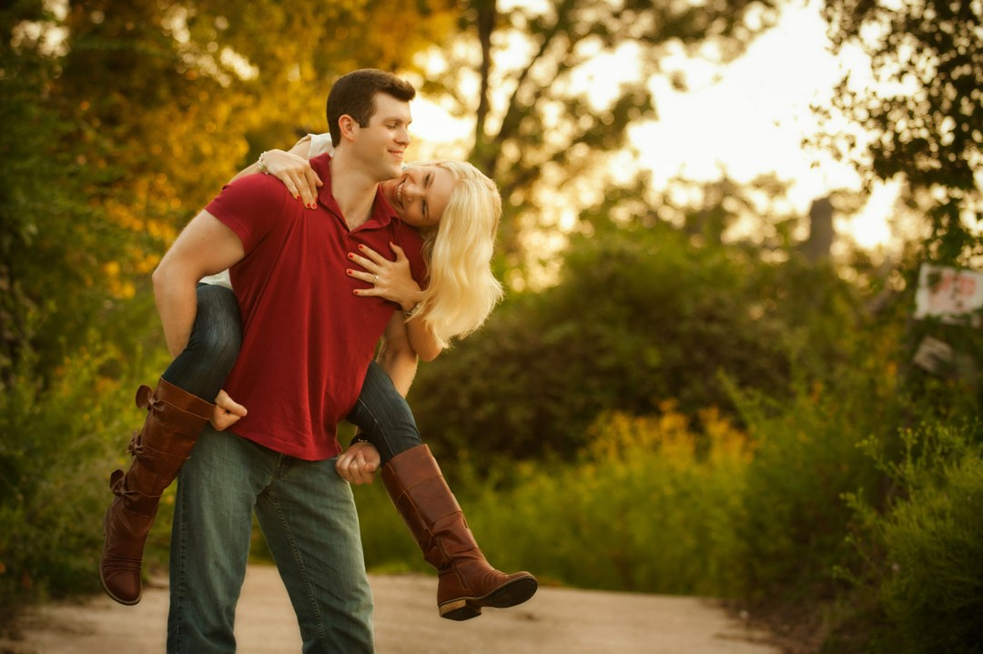 beautiful engagement photographer piggy back Conroe Melonhead Photo