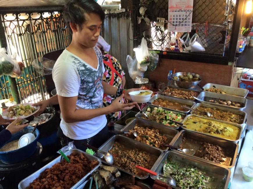 chatuchak market es un mercadillo de ropa, comida y muchas más cosas en bangkok