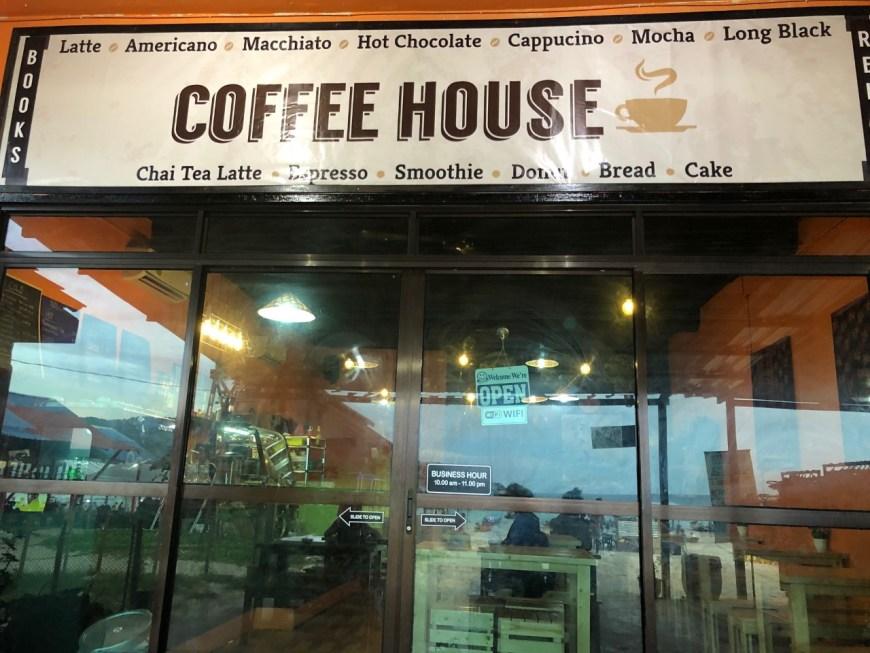 Express Café, el único sitio para cambiar dinero en Perhentian Kecil