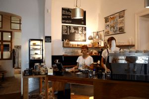 Your walking guide to specialty coffee in Berlin Kreuzberg_five elephant_counter