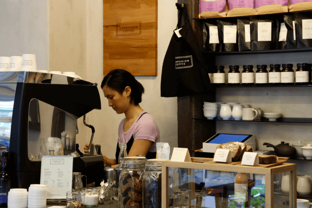 Your walking guide to specialty coffee in Berlin Kreuzberg part 2_companion_counter view