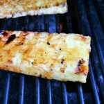 "BBQ toetje recept - Gegrilde ananas gemarineerd in honing, bruine suiker en kaneel - Meles Feestje en Feest hapjes"""