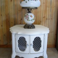 Chalk-painted Side Table