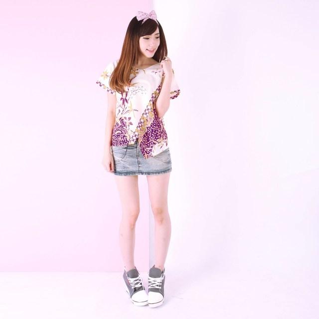 blouse batik timothy ungu 4612797 1 38803 Tampil Cantik dengan Batik di Hari Kemerdekaan