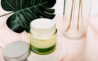 blending moisture cream