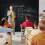 menyiapkan biaya kuliah anak