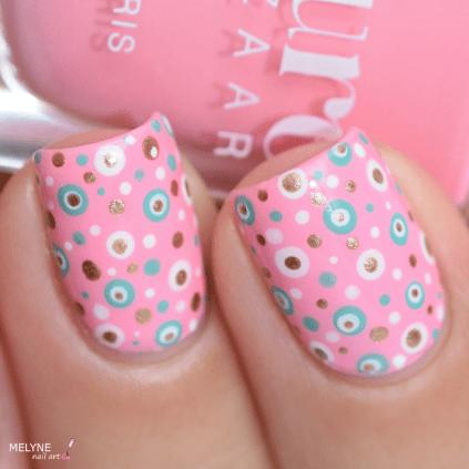 Nail art dotting tool sur Macaron de Kure Bazaar 1