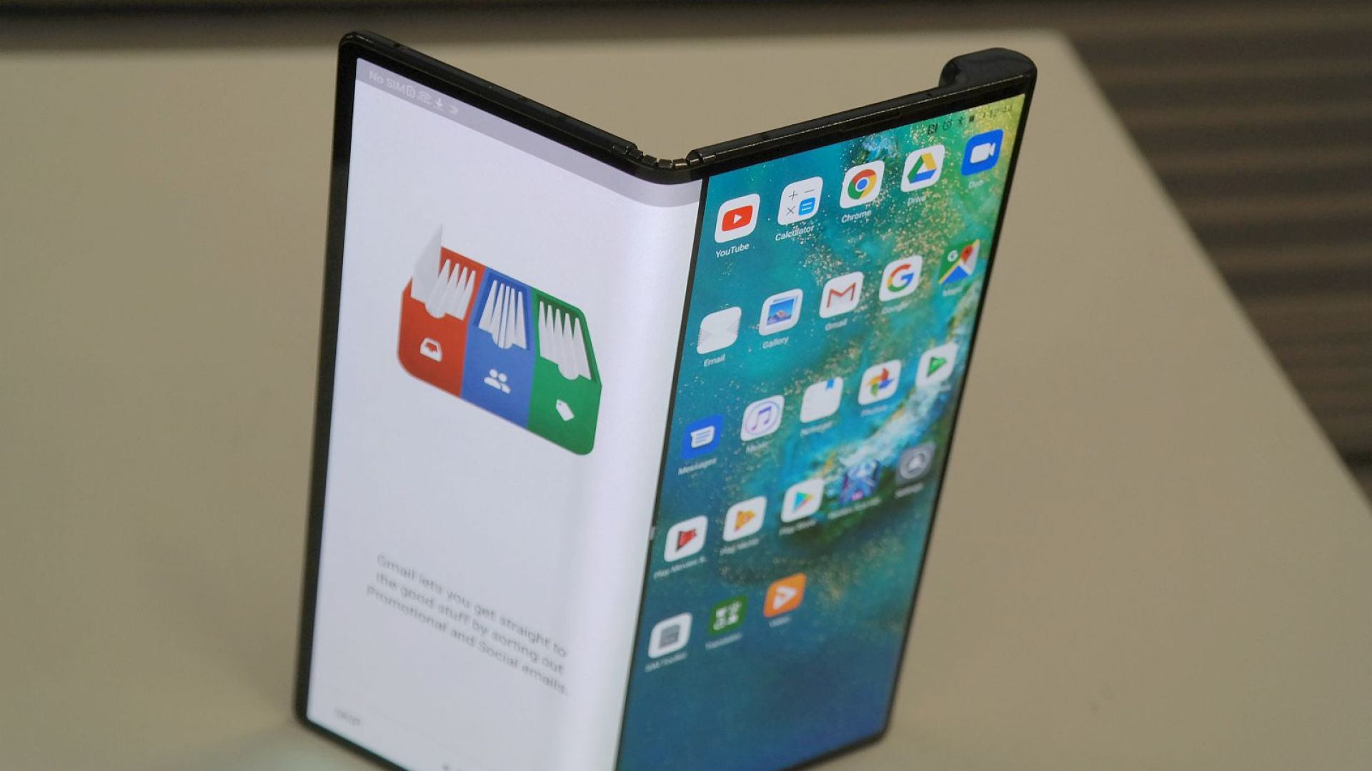 Gartner predicts 30 million foldable phones will be sold by 2023