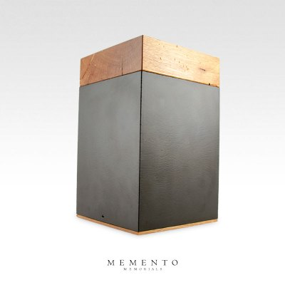 Meta Barn Wood Urn 001