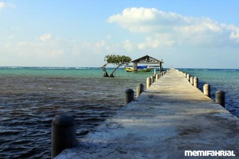 Dermaga yang berada di Pulau Biawak