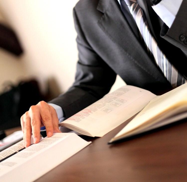 la création d'un support de transmission va mettre sur papier tous les savoir de votre entreprise.