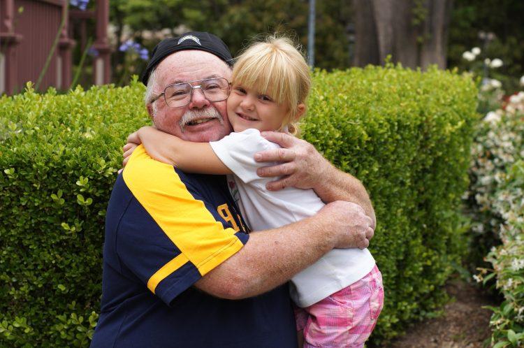 Calin avec grand père