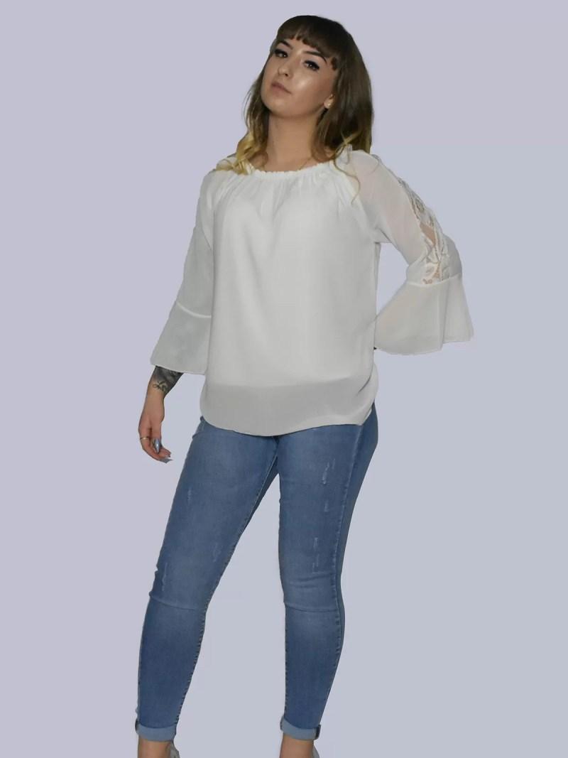 witte blouse met flair mouwen