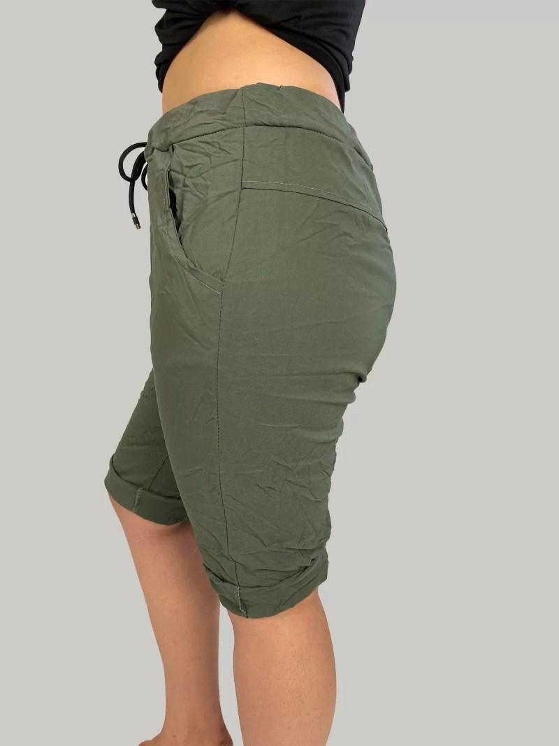 groen-korte-broek-bermuda