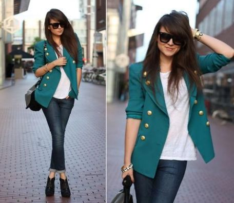 Love-This-Casual-Blazer-With-Jeans.-Any-Blazer-Is-A-Must-Have-Statement-Piece-In-Any-Womens-Closet.-The-Color-And-Gold-Button-Details-Makes-This-Style-Very-Chic.-Also-The-Structured-Shoulders-Are-Fab
