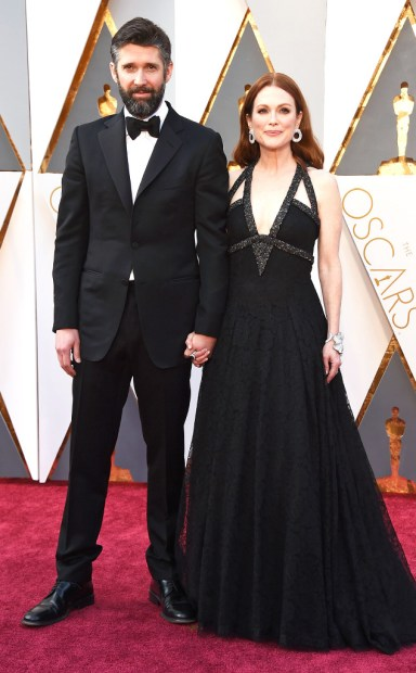 rs_634x1024-160228192833-634.Bart-Freundlich-Julianne-Moore-Academy-Awards-Arrivals-ms.022816