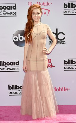 rs_634x1024-160522174048-634.Lindsey-Stirling-Billboard-Music-Awards.tt.052216