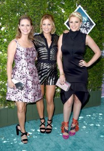 rs_634x919-160731163353-634.Andrea-Barber-Candace-Cameron-Bure-Jodie-Sweetin-Teen-choice-2016.tt.073116