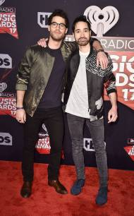 rs_634x1024-170305202737-634-darren-criss-chuck-criss-iheartradio-music-awards-los-angeles-kg-030517