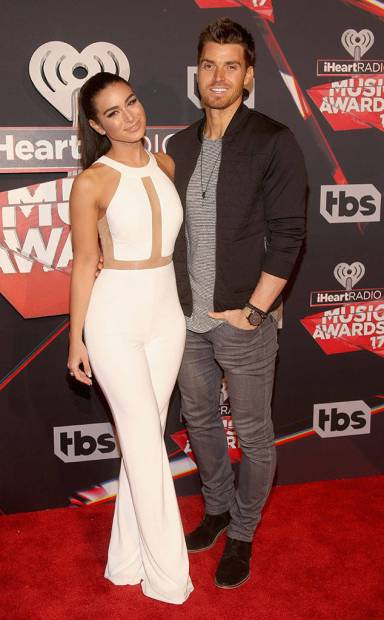 rs_634x1024-170305203459-634-ashley-iaconetti-luke-pell-iheartradio-awards-kg-030517