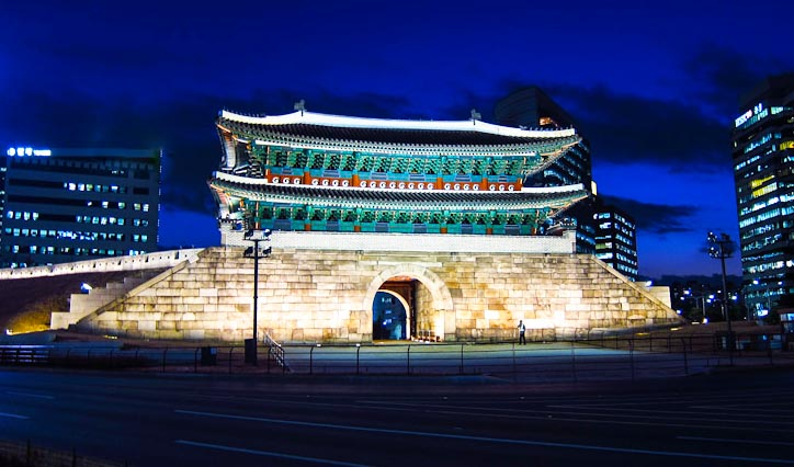 """Great Gate""- The Namdaemun fire in Seoul"