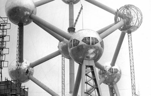 Atomium – The giant stainless steel atom in Brussels