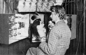 History of Television – The first moving image demonstration takes place in London