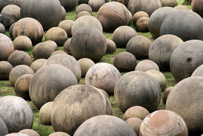 The Stone spheres of the Diquís in Palmar Sur