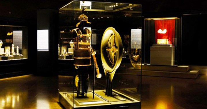 Philip II of Macedonia – The armor and shield of the king are being exhibited in Vergina