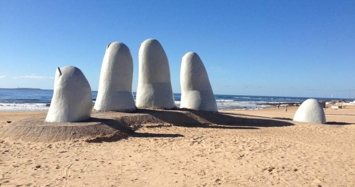 The sculpture La Mano in Punta del Este