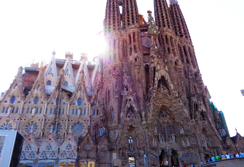 Sagrada Família – The most extraordinary interpretation of Gothic architecture in Barcelona