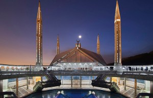 Faisal Mosque – One of the largest mosques in the world in Islamabad