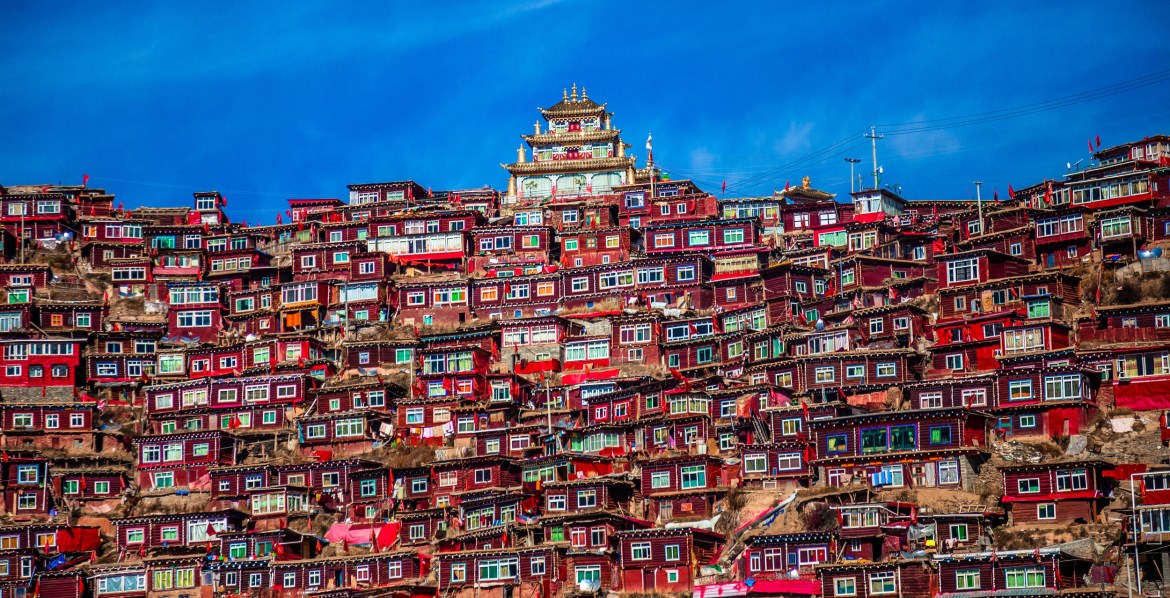 Larung Gar Town – The place of religion and peace in Larung Gar