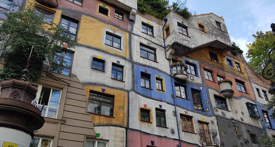 Hundertwasserhaus – A house in harmony with nature in Vienna