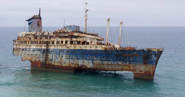 SS America – The American Star rests in Fuerteventura