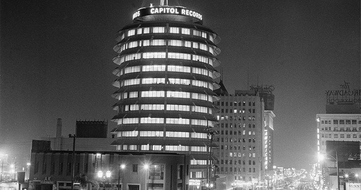 Capitol Records Tower – The legendary studios in Los Angeles
