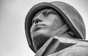 Alyosha Monument – The gigantic Russian soldier stands in Murmansk