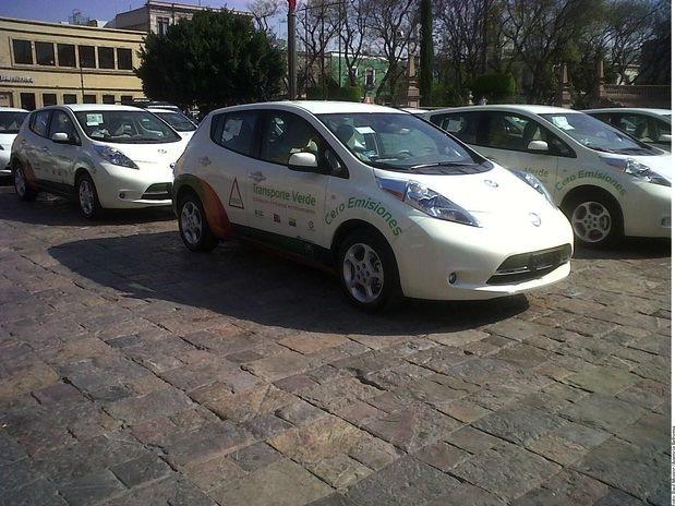 Nissan LEAF transporte oficial de la Feria Nacional de San Marcos 2013