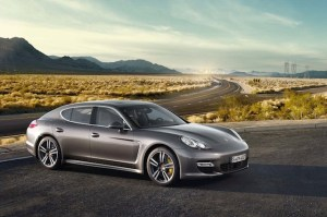 2013-Porsche-Panamera-42