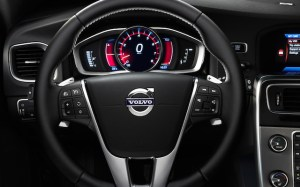 2014-Volvo-S60-interior-instrument-cluster