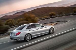 Mercedes-Benz C250, AMG Line, Avantgarde, Diamantsilber metallic, LederCranberryrot/Schwarz, Zierelemente Holz Esche schwarz offenporig,  (W205),2013
