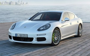 2014-Porsche-Panamera-S-E-Hybrid-front-three-quarter1