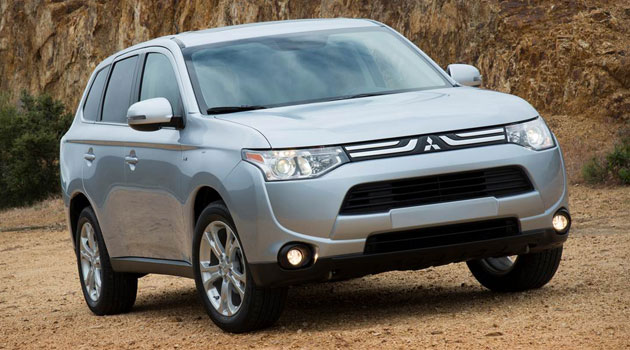 Mitsubishi Outlander 2014 gana como el Mejor Vehículo por Kelley Blue Book