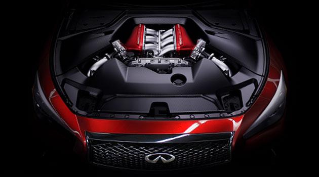 Infiniti Q50 Eau Rouge presume su motor de 560hp