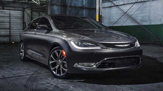 Chrysler recibe más de 10 mil pedidos del nuevo 200 en su primer día de ventas en EE UU