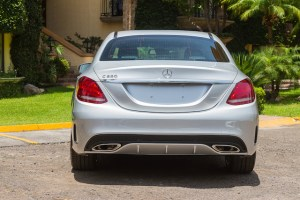 Mercedes Benz Clase C 2015 trasera