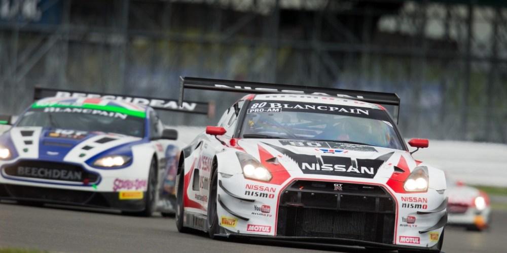 Nissan triunfa en la categoría Pro-Am de Silverstone