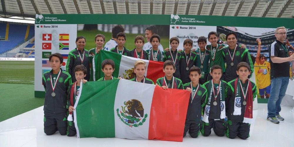 El equipo Suizo FC Basel gana el torneo internacional Volkswagen Junior Masters en Roma