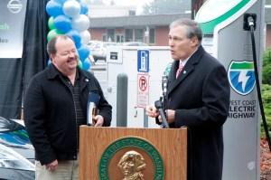 Nissan LEAF Owner Steve Marsh (left) and Washington State Govern